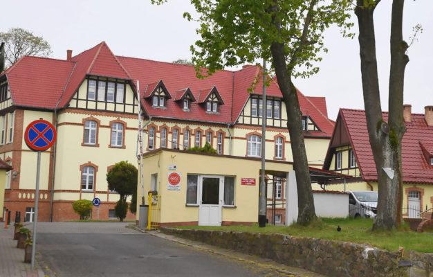 zabytkowy budynek szpitala w choszcznie