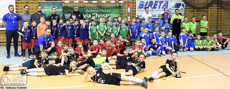 drużyny biorące udział w turnieju piłkarskim z cyklu Gavia Cup