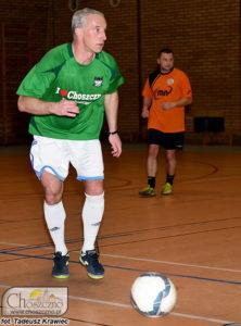 piłkarz Grunwaldu Choszczno birący udział w turnieju piłarskim oldbojów